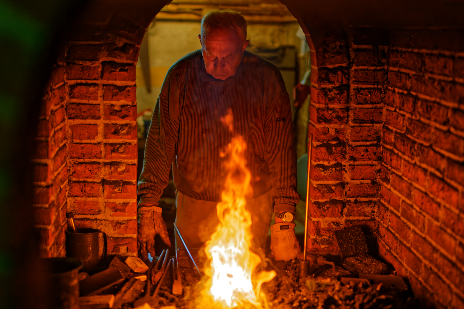 Johannes in the smithy.
