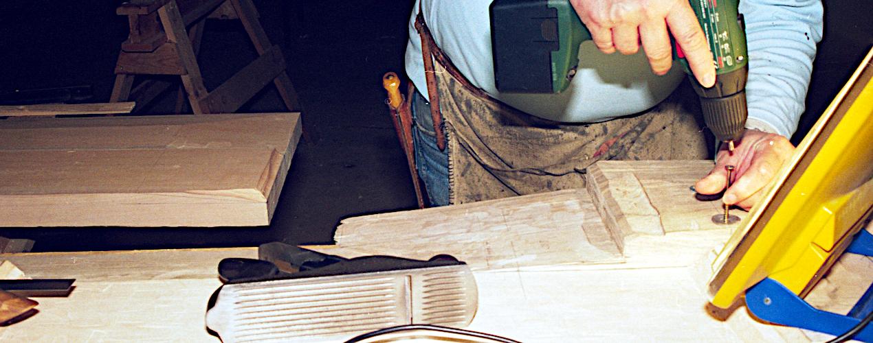 Tilpasning af planker med limfuger.
