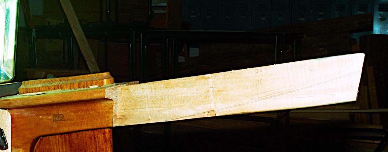 Klargøring til montering af rælingshorn.