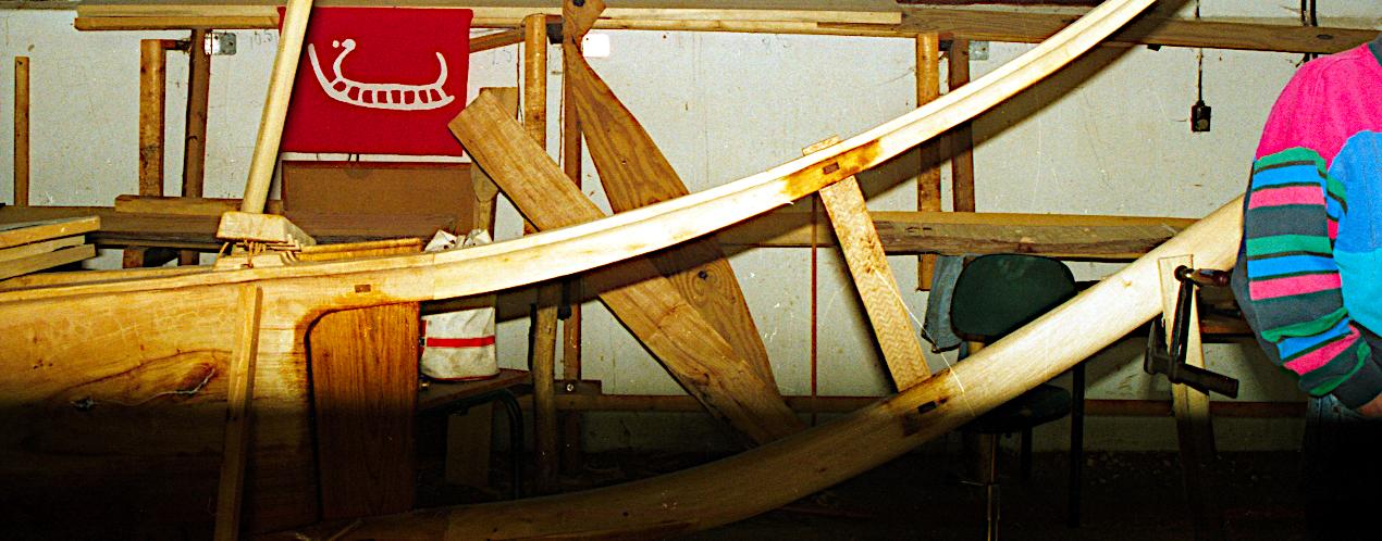 Den ydre låseplade er færdigmonterret agter.