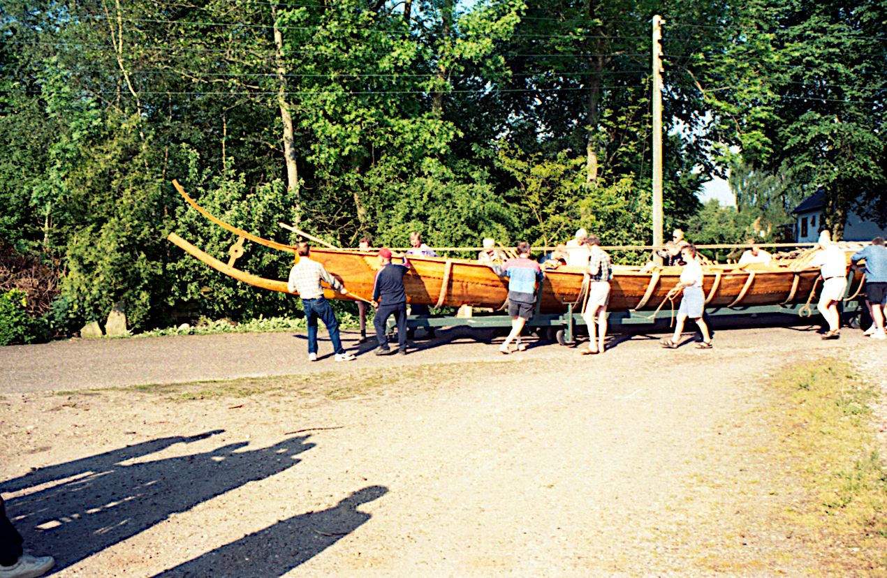 Båden på sin vogn ad Ellehave.
