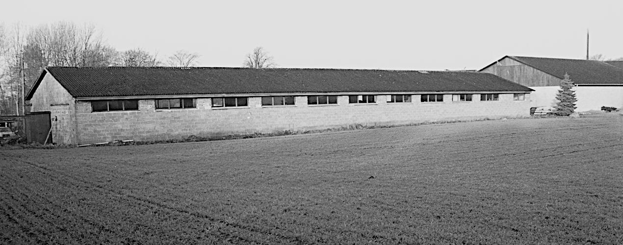 Den bygning i Holm vi lejede som værksted.