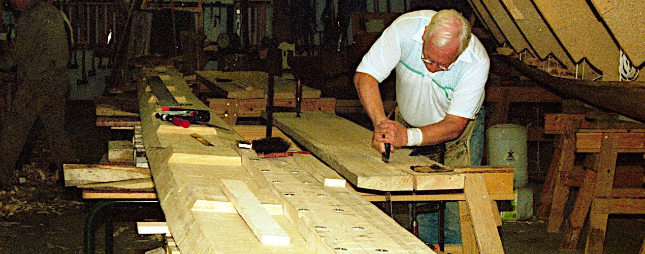 Tilpasning af planker til limning.